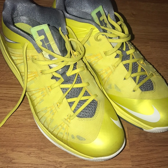 best service 51be2 1cc81 Nike Lebron 10 Low Sonic Yellow Size 13. M 5b60c484f30369e00cfcc752